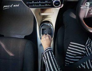 Bingung Mau Beli Mobil Matic atau Manual? Pertimbangkan Dulu Hal-Hal Berikut Ini